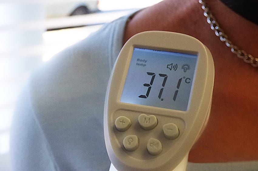 La Coope le toma la temperatura  a quienes deseen realizar compras